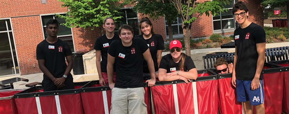 The RHAC Executive Board, helping out with move-in!